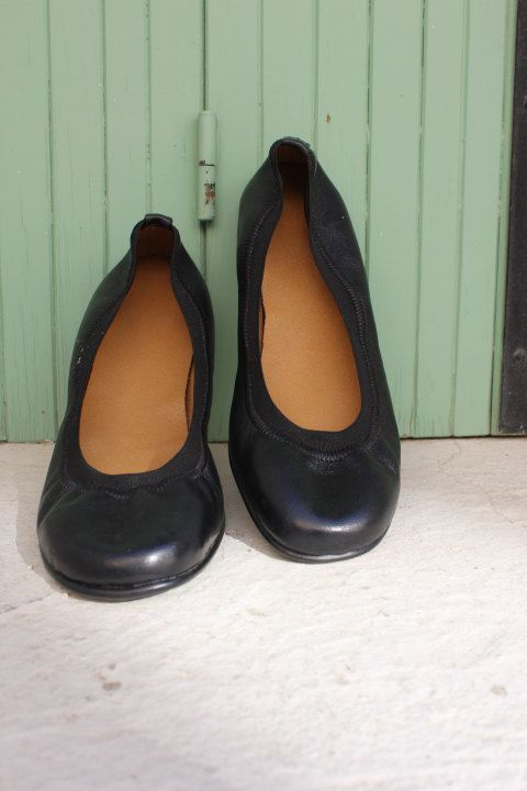 Leather shoes in black /ballet flats/ready to ship by EATHINI