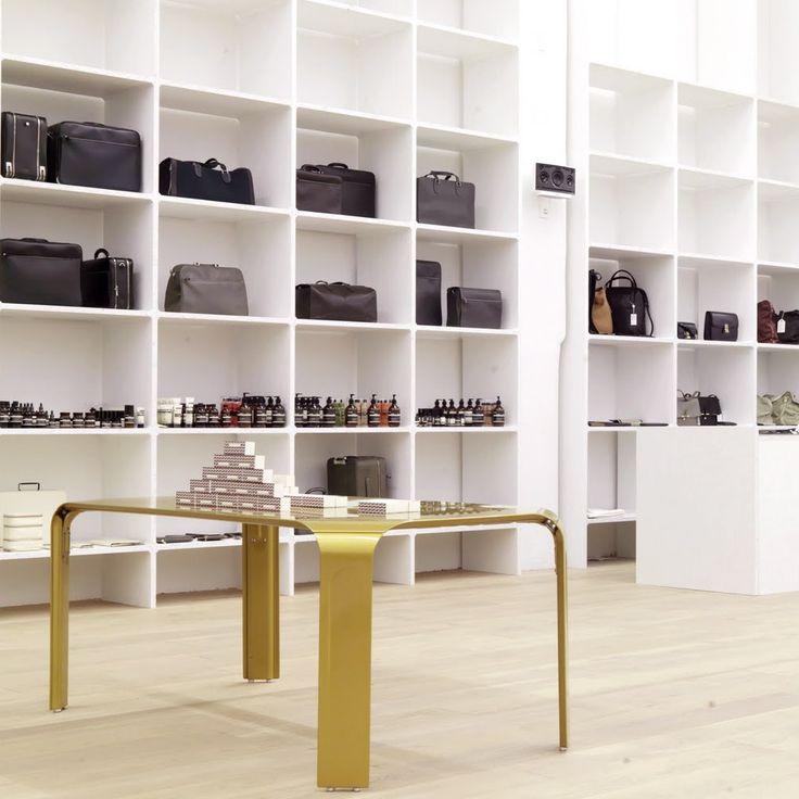 Reform Kitchen / Berlin guide / Inspiration /  Andreas Murkudis präsentiert Highlights wie Accessoires und Kosmetik in seinem Concept Store | creme berlin
