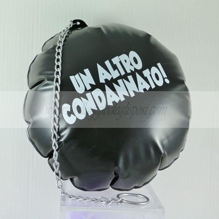 Palla al piede gonfiabile addio al celibato Disponibile su: http://www.ilvillaggiodeglisposi.com/addio-al-celibato/p?idEvento=12&page=1
