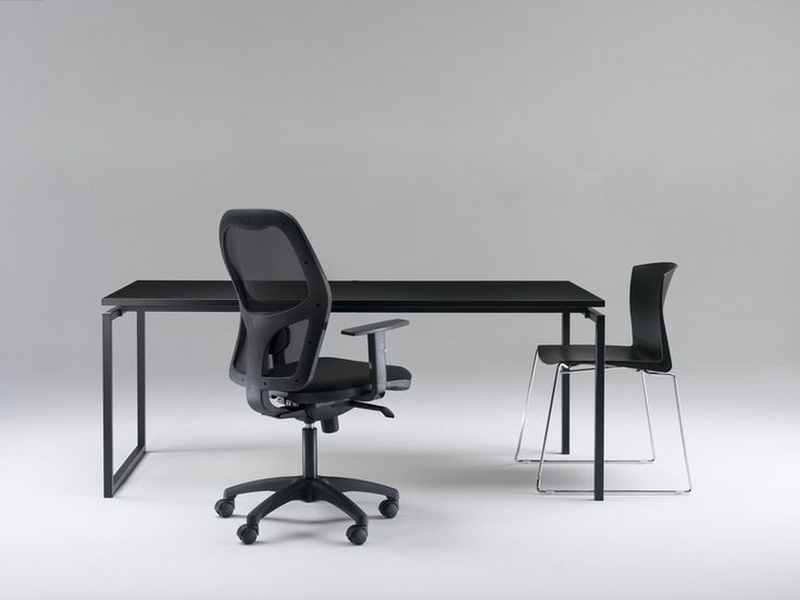 Quadrotto QSD desk. Task Q chair. Plaza chair. Made in Italy by Emme Italia.  www.designforyou.it