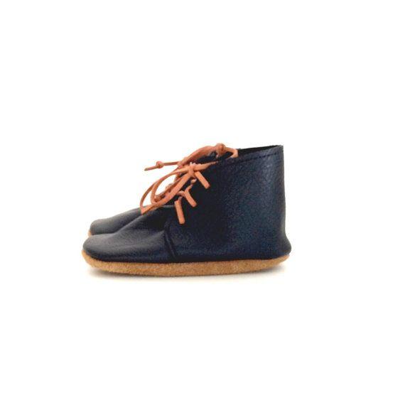 desert boots / black by ullaviggo on Etsy