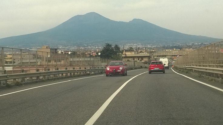 Il Vesuvio mi accoglie, al ritorno da Sorrento