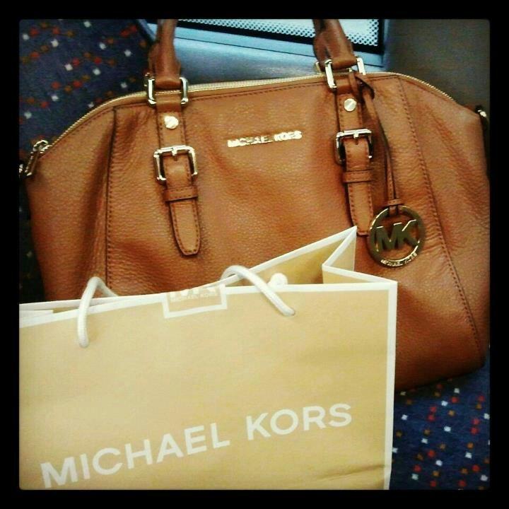 My new handbag...by Michael Kors. Love it!