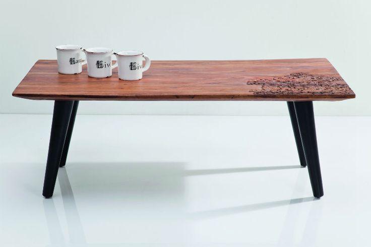 Κομψό τραπεζάκι μέσης πουχαρακτηρίζεται από καθαρές, μοντέρνες γραμμές οι οποίες δημιουργούν μία αρμονικήαντίθεση με τα φυσικά νερά του ξύλου sheeshamκαι την ιδιαίτερη σκαλιστή διακόσμηση. Η σειρά Rodeo μπορεί να ενσωματωθεί αρμονικά σε πολλά στυλ επίπλωσης. Υλικό: 100% ξύλο Sheesham.  Βάρος: 20 kg