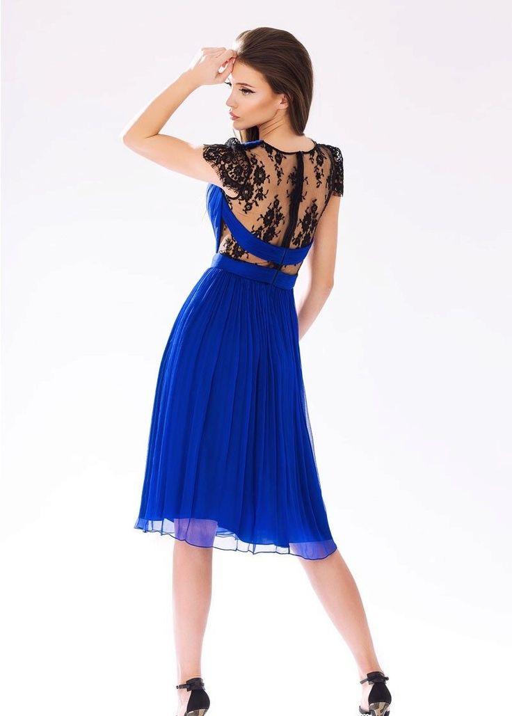 Платье с кружевной спиной короткое
