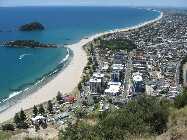 It was on Christmas holidays. View from the top of Mt Maunganui to the beach side...beautifull...isnt it?