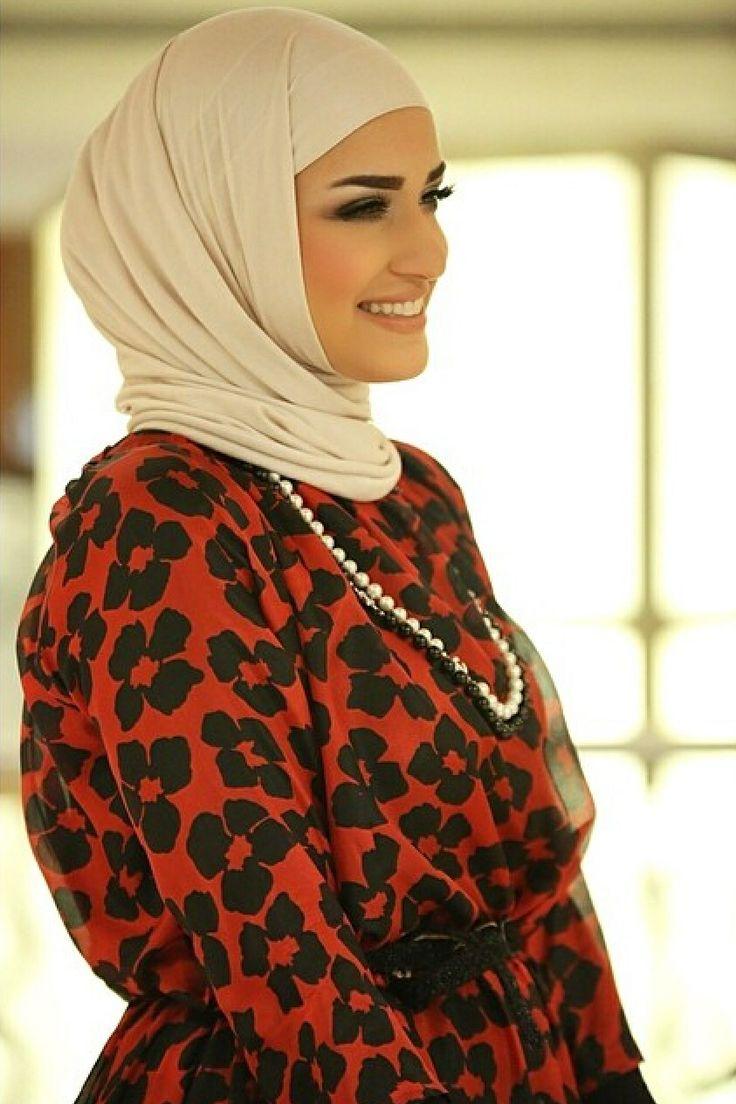 Dalal Aldoub - Fashion blogger from Kuwait   Hijabi style