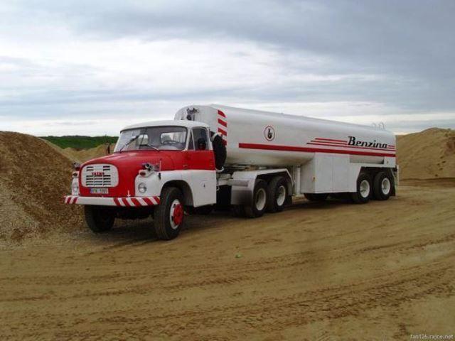 Tatra 148 6x6 VNM -