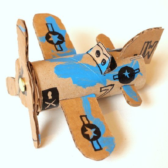 Make toy planes from toilet paper rolls - a fun recycling activity for kids! XOXO Jimmy JimmysGoneGreen.com