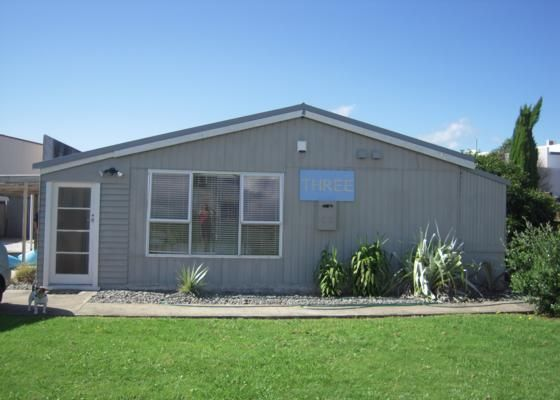 Modern bach walking distance to beach and town in Whitianga, Coromandel | Bookabach
