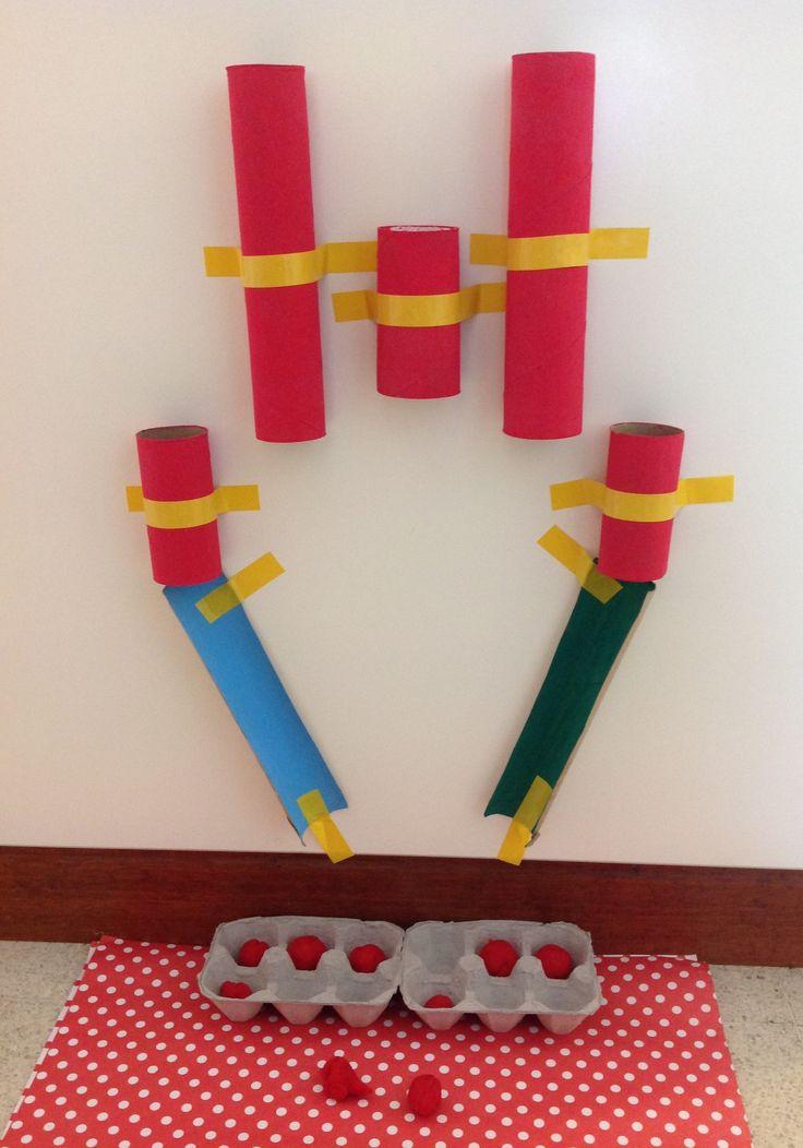 Con tubos de cartón sobre la pared. #CDIC jardin de infantes. Jardín maternal