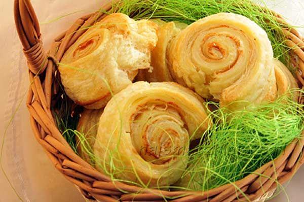Ślimaki z twarożkiem i cynamonem, ciasto francuskie, ciasteczka z serkiem, snails, cinnamon, puff pastry, cookies