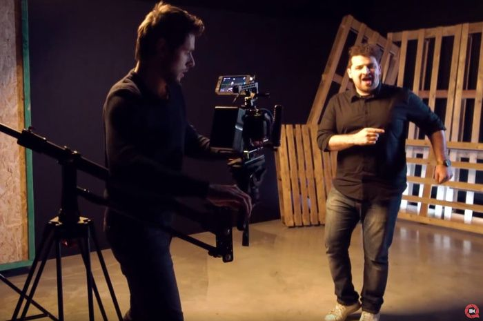 Faking High-Speed Movement From a Robotic Camera Arm With Simple Tools ... #fstoppers #BTS #VideoEditing