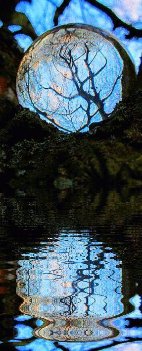 Art'Color... bleu protection. Du prisme d'une goutte d'eau invite au rêve. ..