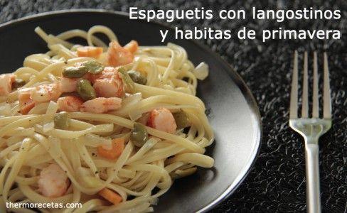 Espaguetis con langostinos y habitas de primavera