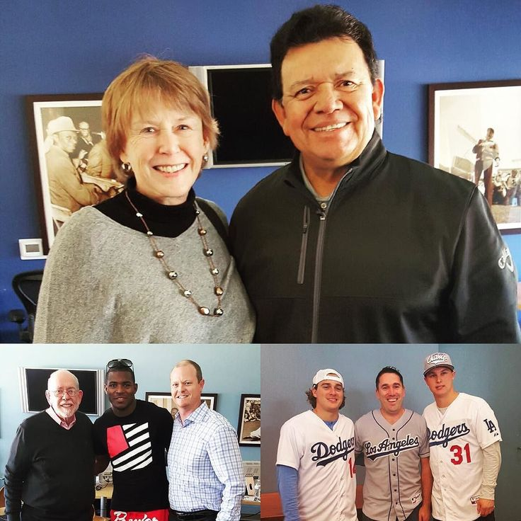 THINK BLUE: Season ticket holder perks! A few familiar faces stopped by Dodger Stadium Select-a-Seat to greet STHs today. #WeLoveLA by dodgers