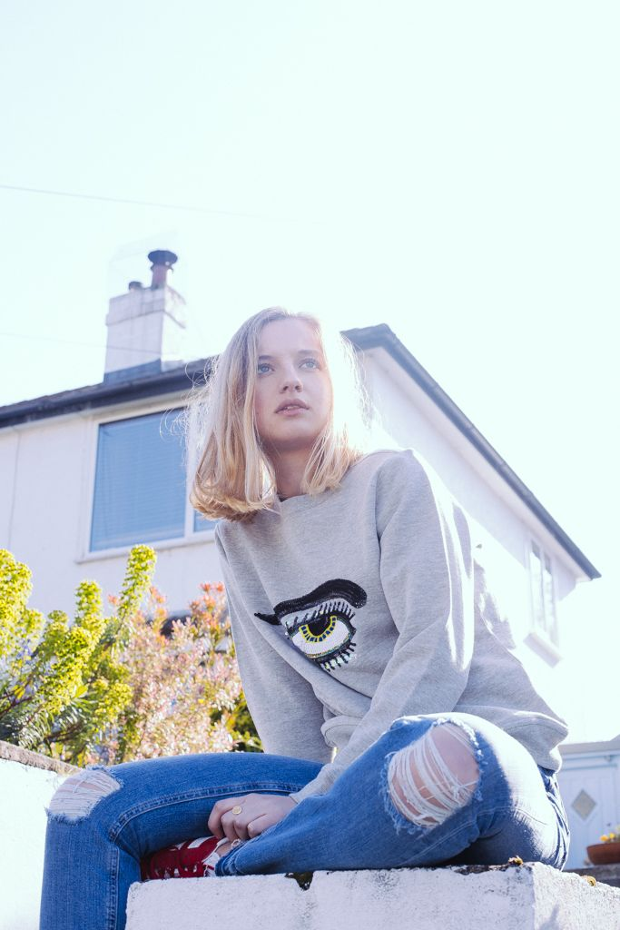 Uzma Bozai - Eye Sweatshirt - Grey