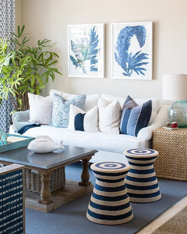Classic blue + whites for this San Clemente living room