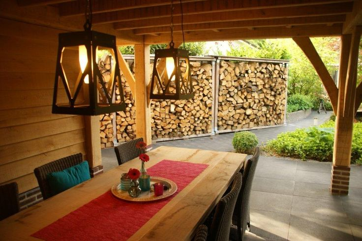 Eiken overkapping, tafel, meubels, zitgedeelte, hout, sfeervol, tuinhuis.