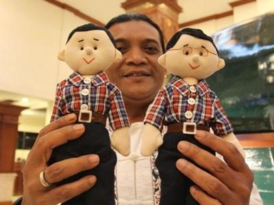 Boneka Jokowi-Ahok Diproduksi Massal