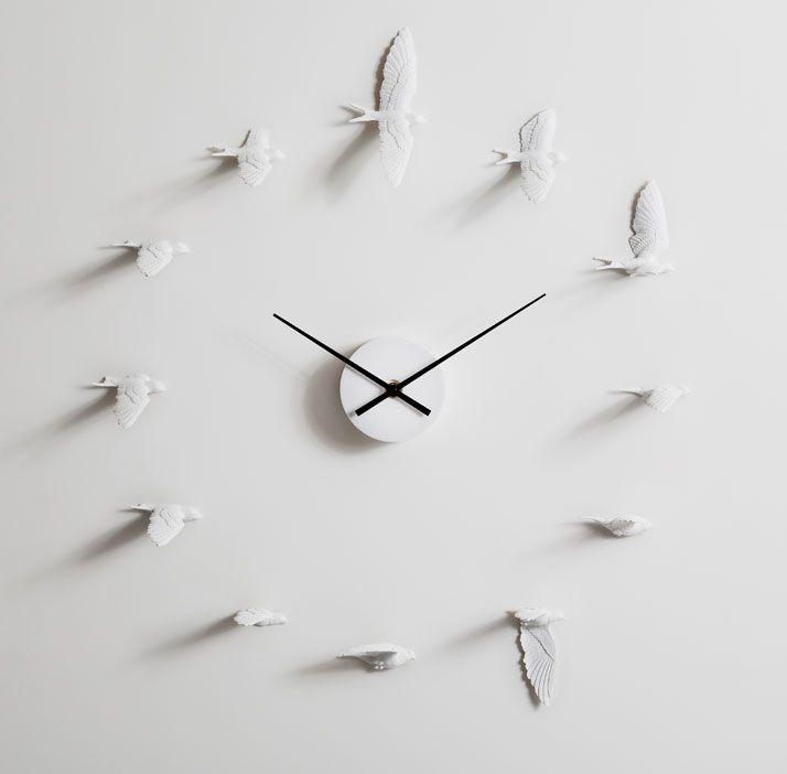 The Swallow Clock By Haoshi Design Studio   http://www.yatzer.com/Swallow-Clock-Haoshi-Design-Studio