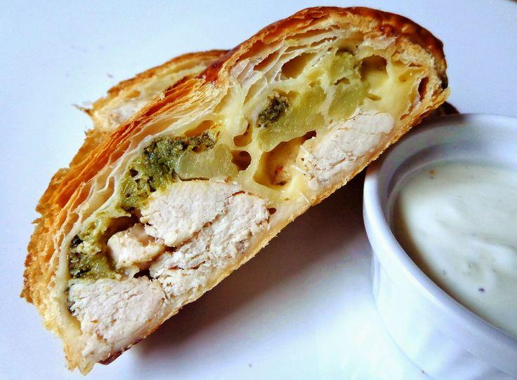 Students Kitchen: Francuski warkocz z brokułami, kurczakiem i serem ...
