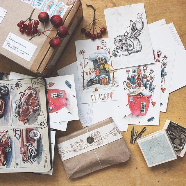 ❤️всем славного дня! Этим фото хочу сообщить, что у меня теперь есть много открыток с уже известными вам картинками). Оставляйте здесь свои адреса! Первым 20 адресатам я подпишу и отправлю подарки) ☺️ спасибо @grape_art_com !! Еще к нам пришла открытка с совенком от @redisoj !!! Спасибо огромное тебе, Сережа ❤️