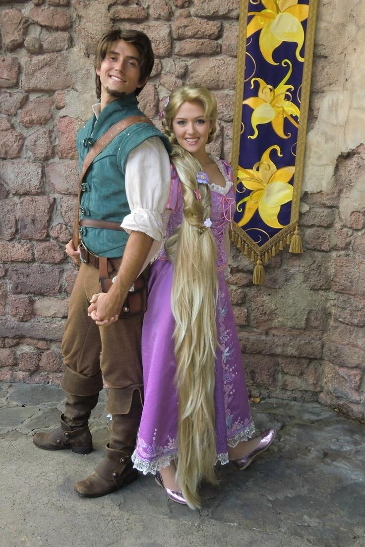 Such a cute couple } Disney Disney halloween, Couple