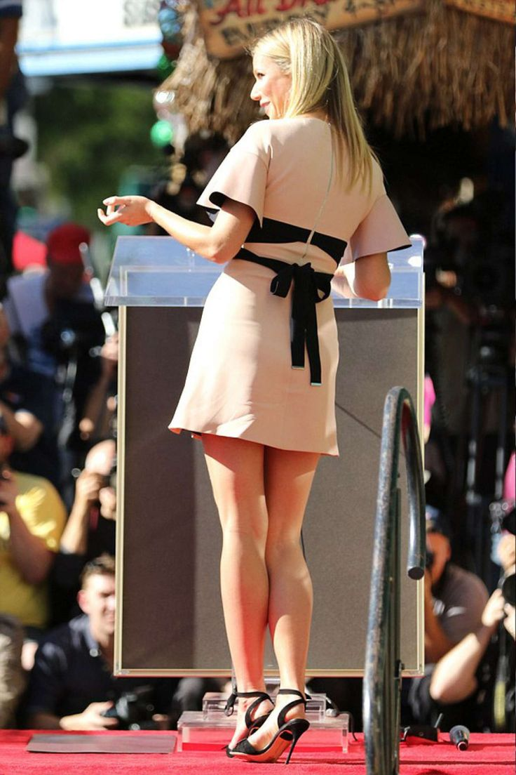 Gwyneth Paltrow at Rob Lowe's Star ceremony on the Hollywood Walk Of Fame held on December 8, 2015 in Hollywood, California.