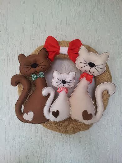 Guirlanda natalina gatos em feltro e juta by Malu Souza.