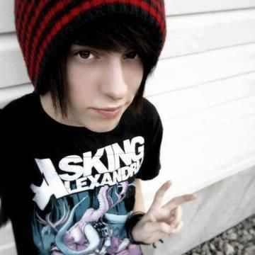 Emo (scene) Boy - Band Merch - Asking Alexandria - Beanie - Cute.