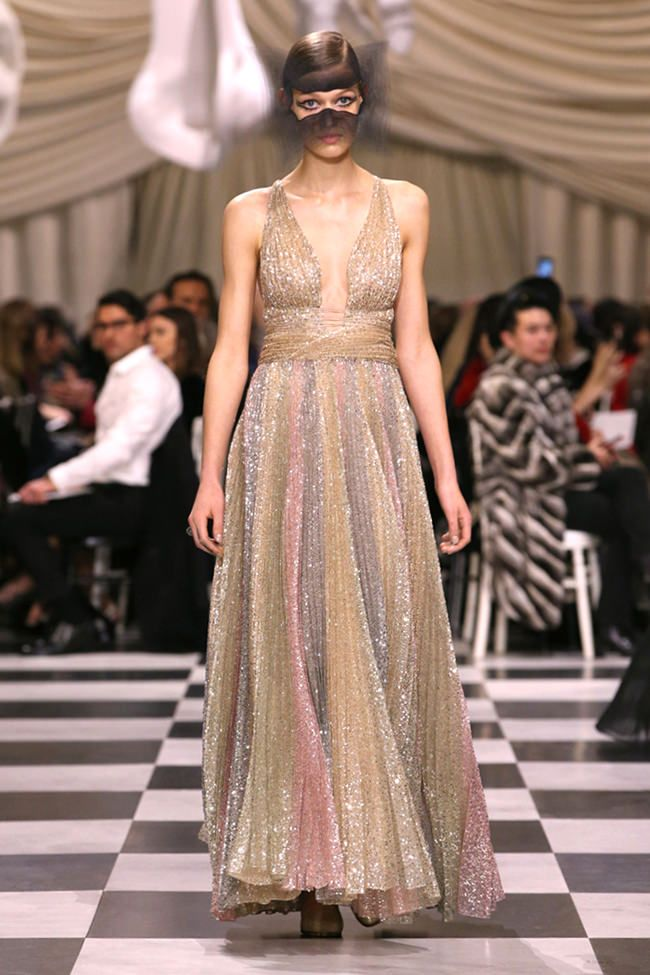 Christian Dior Spring 2018 Couture Collection   Fancy Dress   Haute ... a24c0f7aef1