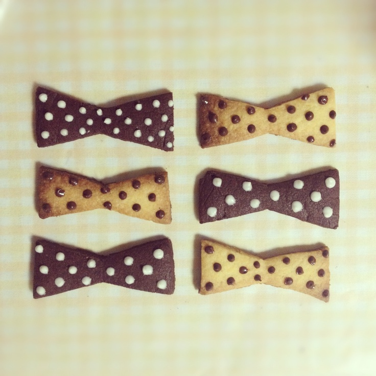 bow tie cookie