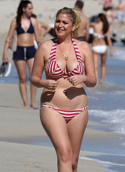 Josie Goldberg Hits The Beach | random | Thigh socks ...