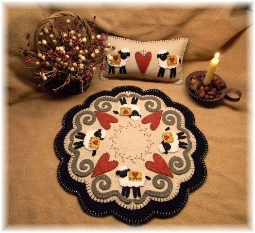 PatternMart.com ::. PatternMart: I Love Ewe Sheep & Hearts Penny Rug/Candle Mat Pattern