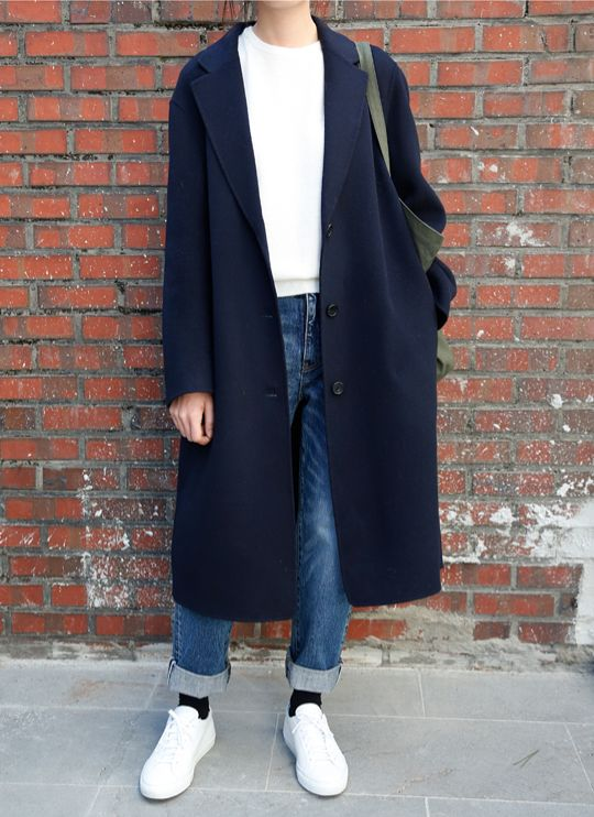 //OUTFIT// white top x oversized navy black coat x baggy denim jeans x white sneakers