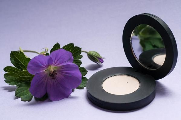 Wheaty Willow Pressed Matte Mineral Eyeshadow by Batty's Bath | Organic  | Cruelty Free | Vegan