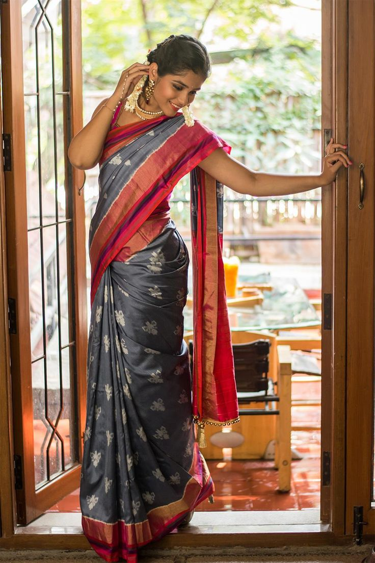 Ikat woven pure heavy pochampalli silk grey saree with pink zari bordering