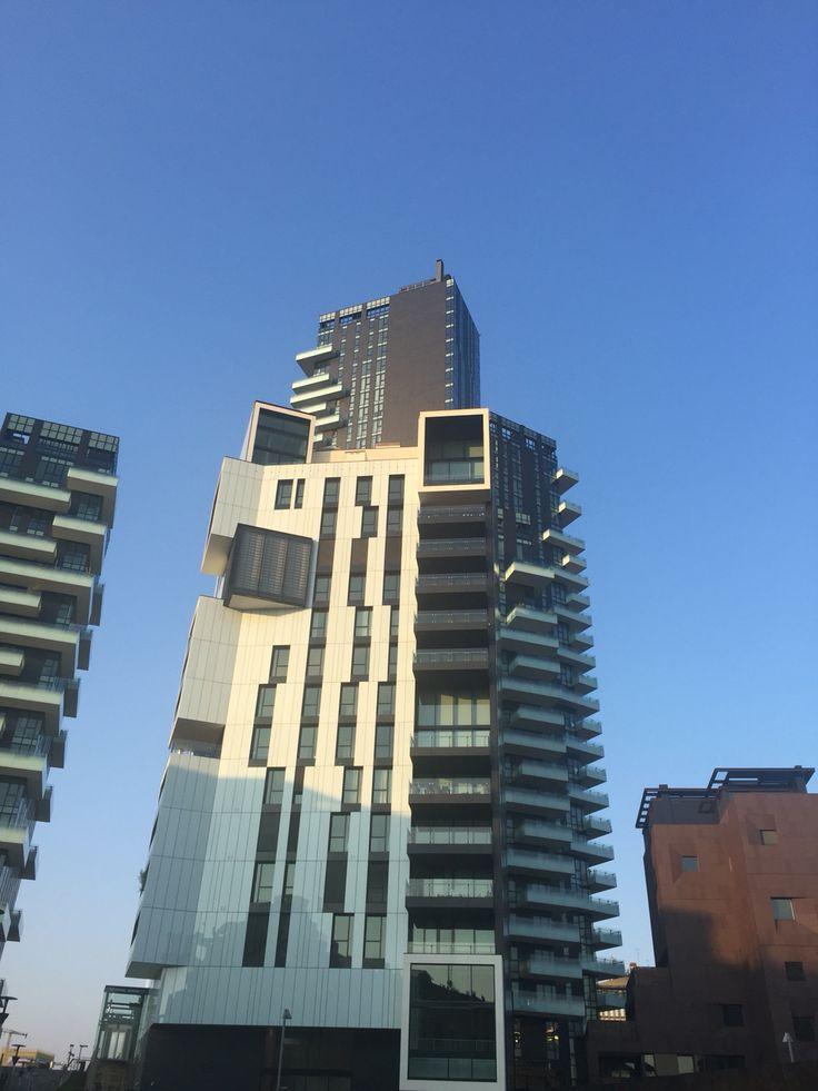 Tra i grattacieli di Milano