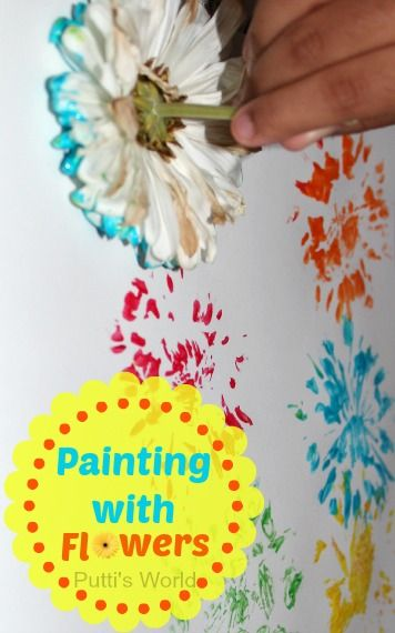 Painting and printing with flowers: it creates beautiful abstract art and the flowers are so colorful afterwards!