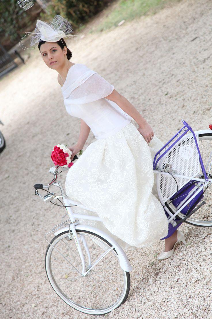 La maestria di Cinzia Ferri e del suo staff per comporre meravigliosi abiti da sposa e da damigella su misura! www.cinziaferri.com