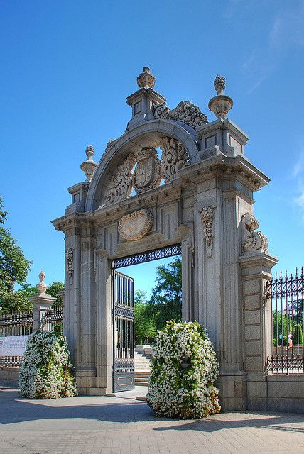 Puerta Parque del Retiro/beautiful park in Madrid with a glass house