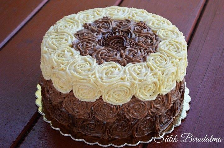 Citromkrémes torta csokoládé rózsákkal 2