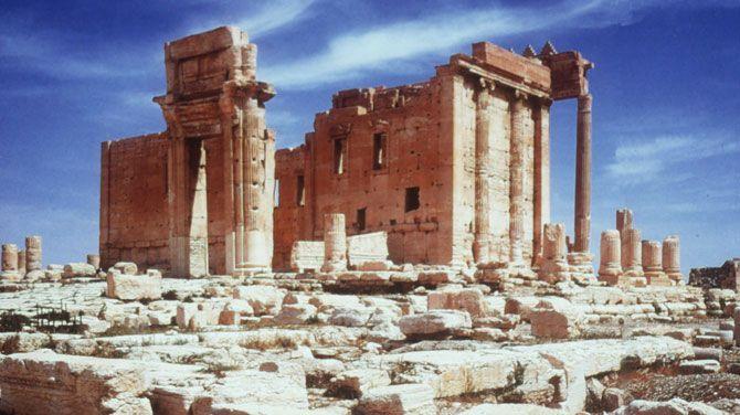 In Syrië hebben strijders van de terreurorganisatie IS een deel van de historische stad Palmyra ingenomen. Gevreesd wordt dat IS er de kunstschatten zal vernielen, net zoals eerder gebeurd is met beelden uit de oudheid in buurland Irak.