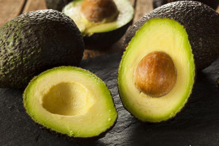 Tällä niksillä pystyt helposti syömään valtavasti vitamiineja sisältävän avokadon siemenen