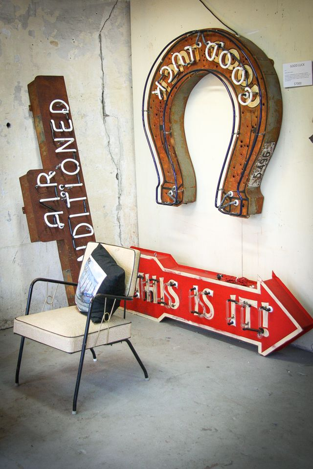 Inward Facing Girl - A Design-Obsessed Mom Who Writes A Lot - Roadhouse Relics Neon Art in Austin,Texas