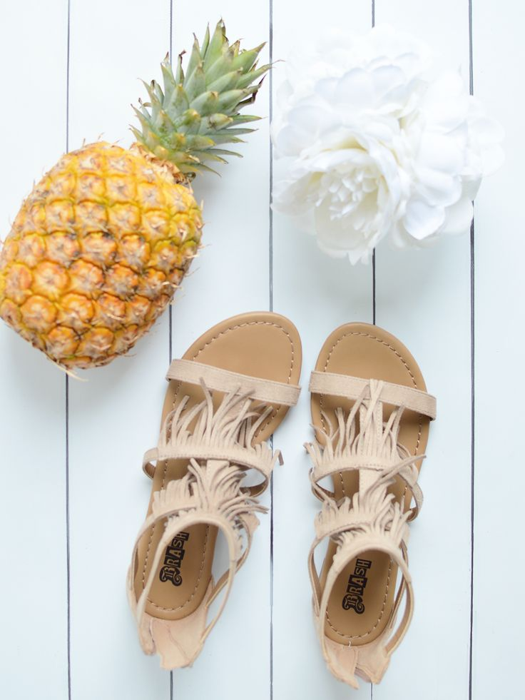 The most perfect sandals for festival season! #PaylessForStyle AD | oliveandivyblog.com