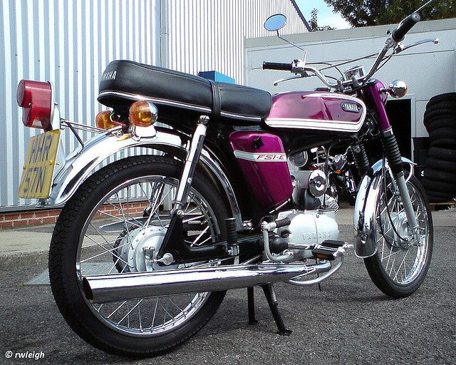 Yamaha FS1-E Fizzy Moped. 1976/77 most teenage boys wanted one of these.