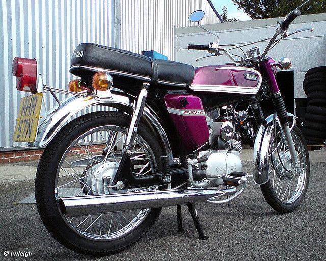 Yamaha FS1-E Fizzy Moped