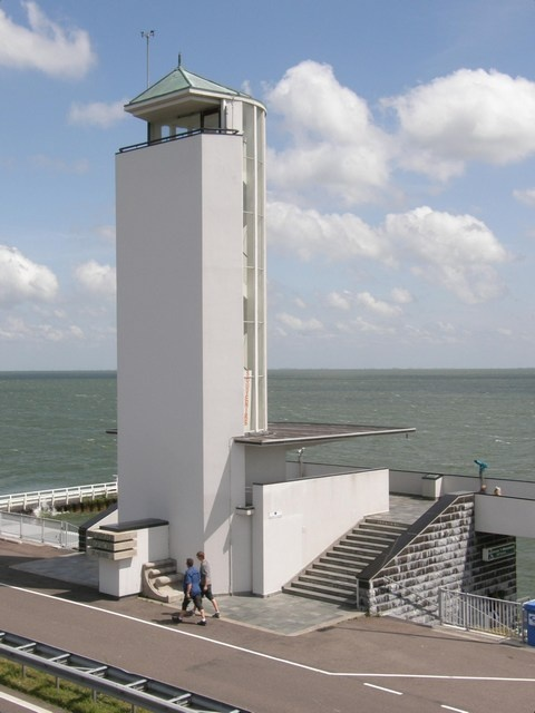 Dudok's monument ver buiten Hilversum